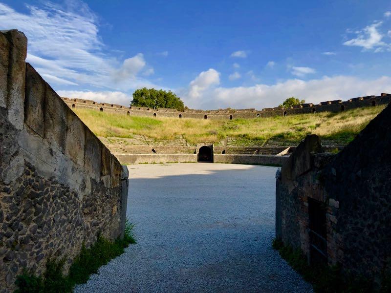 pompei anfiteatro italyproguide