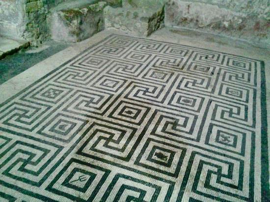 Mosaico nel Tepidarium delle terme femminili a Ercolano